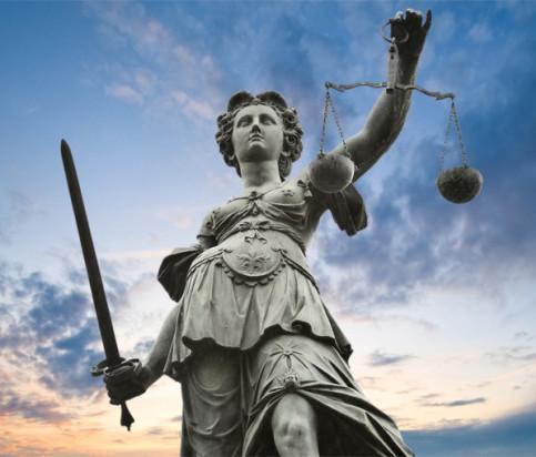giustizia-statua